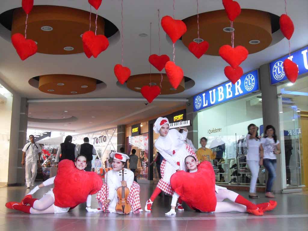 Toma de centros comerciales en fechas especiales